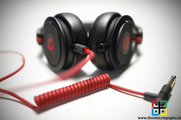 beats-mixr-by-dr-dre-3