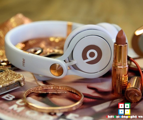 beats-mixr-rose-gold-white
