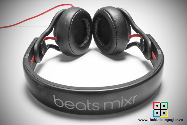 beats-mixr-by-dr-dre-5