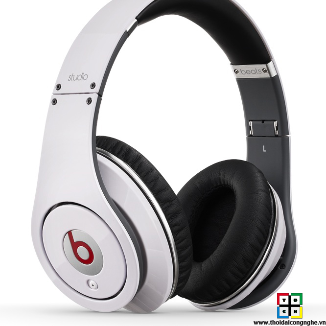 monster-beats-studio-white-1