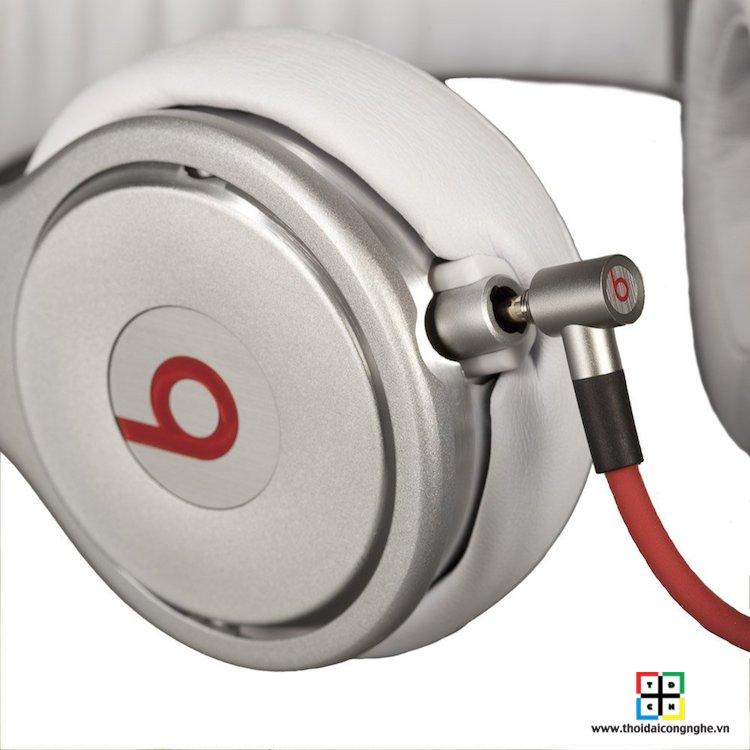 beats-pro-by-dre-white-2