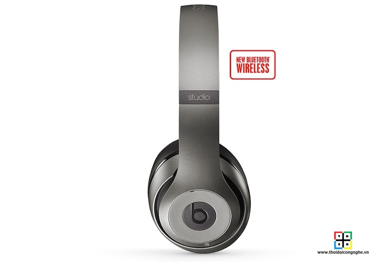 beats-studio-wireless-by-dre-titanium-1