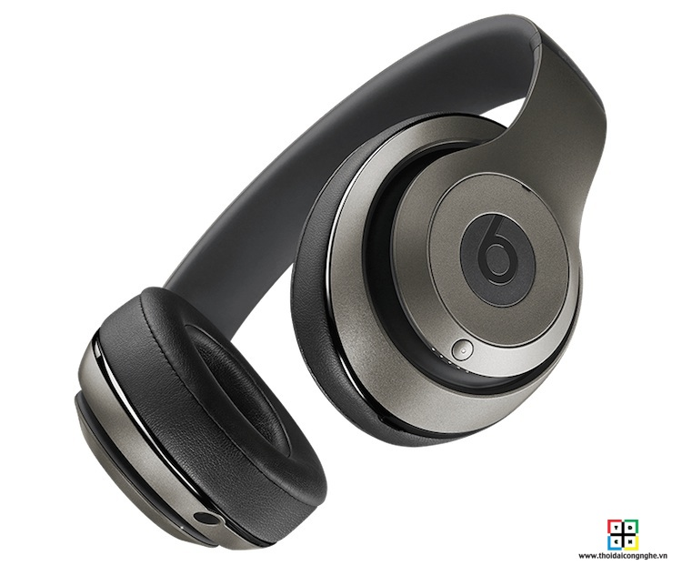 beats-studio-wireless-by-dre-titanium-2