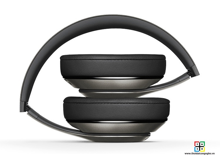 beats-studio-wireless-by-dre-titanium-3