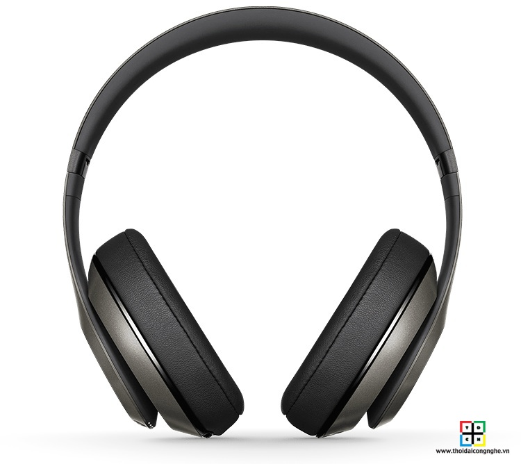 beats-studio-wireless-by-dre-titanium-4
