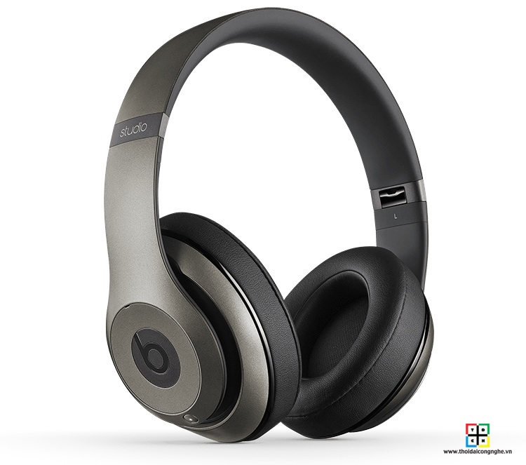 beats-studio-wireless-by-dre-titanium-5