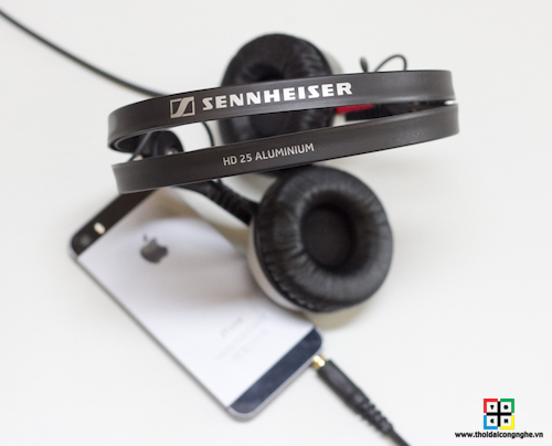 Sennheiser-HD25-Aluminum-3