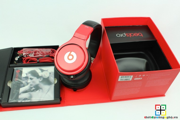 beats-pro-lil-wayne-red-and-black-1