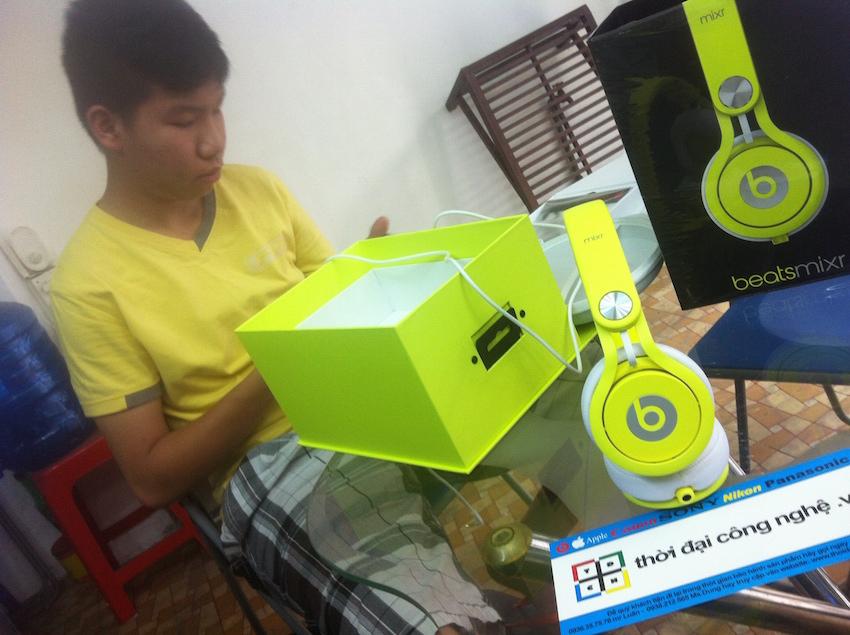 beats-mixr-21