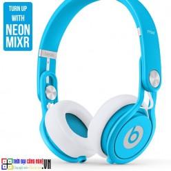 beats-mixr-neon-blue