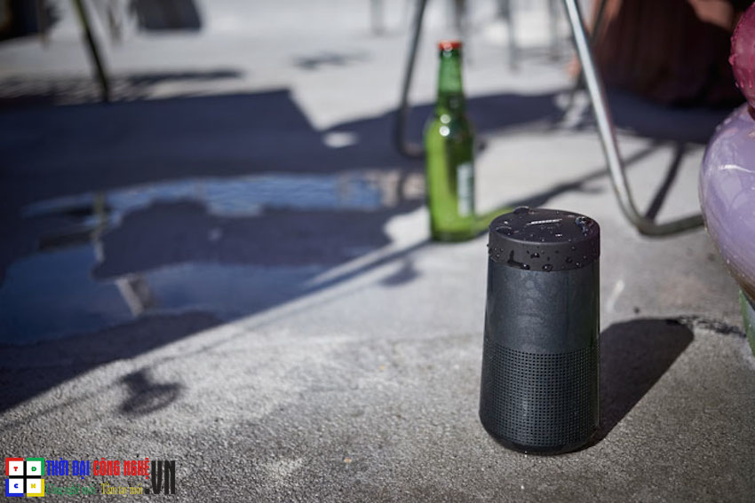 Bose-SoundLink-Revolve-4